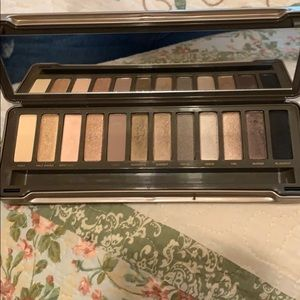 Urban Decay Makeup - Naked 2 palette